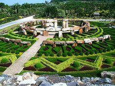 Dạo Vườn Hoa Lan Nong Nooch trong lộ trình Tour Thái Lan