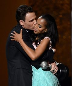 I love this picture of Kerry Washington and Tony Goldwyn. :)