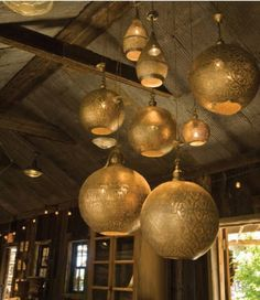 Serious love for these lanterns.