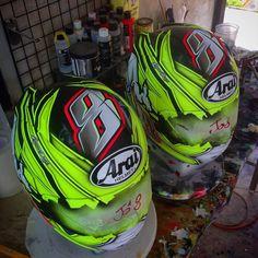 #chayanondesign #100%Painting #helmet #helmetpaint #helmetdesign #helmetgraphics #custompaint #arai #araithailand by chayanondesign