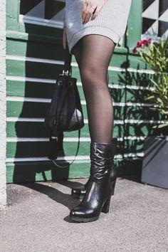 Formschöner Stiefel aus schwarzem, weichem Leder mit Absatz. Paul-green.com #paulgreenlovesyou #paulgreen #blackboots #blackleather Dna, Doc Martens, Heeled Boots, Biker, Oxford Shoes, Heels, Fashion, Dress With Tights, Boots