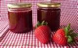 27 - Concentrado de azúcar - Consiste en añadir azúcar a preparados de frutas. De esta manera se evita la oxidación del fruto, ya que se impide su contacto con el oxígeno del aire. Además, una alta concentración de azúcar en el almíbar ayuda a mantener la firmeza del producto. Este método es utilizado en la preparación de frutas, mermeladas, frutas abrillantadas, entre otros, tanto a nivel doméstico como industrial. Una vez preparadas, las frutas son envasadas en botellas o latas.