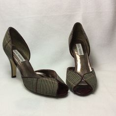 Steve Madden heels Steve Madden heels in very good condition. Fabric upper. Leather outsole. Heel is about 3.5 inch. More pictures are available in another listing. Please make sure to see all pictures before buying them. Steve Madden Shoes Heels