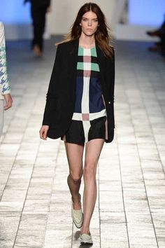 Paul Smith Spring 2014 Ready-to-Wear Collection. Loved the Mondrian dress though we already seen this one before by Saint Lauren and many others. Bad Fashion, Fashion 2014, London Fashion, High Fashion, Fashion Show, Fashion Outfits, Fashion Design, Spring 2014, Summer 2014