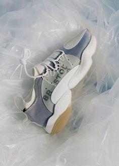 Bristol Studio x adidas Originals 2018 秋冬聯乘 Crazy BYW 系列 Ankle Shoes, Men's Shoes, Shoes Sneakers, Bristol, Sneakers Fashion, Fashion Shoes, Women's Fashion, Shoe Sites, Everyday Shoes