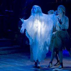 A Christmas Carol – Toby Olié Christmas Carol Ghosts, Dickens Christmas Carol, Ghost Of Christmas Past, Puppet Costume, Marionette Puppet, Set Design Theatre, Stage Design, Puppetry Theatre, Puppet Show