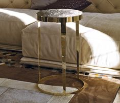 AMADEUS - Designer Coffee tables from Longhi S. ✓ all information ✓ high-resolution images ✓ CADs ✓ catalogues ✓ contact information ✓. Metal Side Table, Round Side Table, Low Tables, Small Tables, Pipe Furniture, Table Furniture, Coffee Table Design, Coffee Tables, Furniture Collection