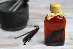 Home-made Vanilla Extract / Domácí vanilkový extrakt | Na vidličku food blog