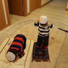 MASYA ALLAH  SEMOGA KITA DIKARUNIAI ANAK KETURUNAN YANG SHALIH SHALIHAH SEHAT DAN CERDAS  AAMIINNN  mari mulai sejak dini dengan giat belajar agama dan rajin shalat jamaah di masjid (bagi pria) atau sholat di awal waktu (bagi wanita)  Ga perlu nunggu nikah atau nunggu punya anak buat mulai JADI BAIK. .  Follow @PesantrenYatim  Follow @PesantrenYatim  Follow @PesantrenYatim  .  #Cinta #Love pic @haremeyn Caption @NikahAsik http://ift.tt/2f12zSN