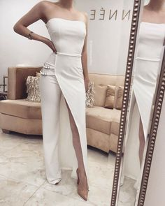 Outstanding women dresses are readily available on our internet site. Elegant Dresses, Sexy Dresses, Fashion Dresses, Prom Dresses, White Fashion, Look Fashion, Fashion Design, Fashion Trends, Jumpsuit Dress