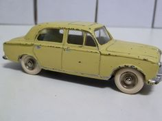 FRENCH DINKY TOYS NO.24b PEUGEOT 403, PALE YELLOW