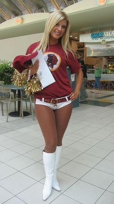 Name:  redskinscheerleader10.jpg Views: 3261 Size:  118.9 KB