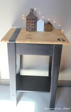 tr s vieux meuble relook en taupe et noir peinture lib ron pour voir l 39 avant apr s c 39 est ici. Black Bedroom Furniture Sets. Home Design Ideas
