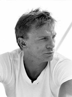 Picture of Daniel Craig Daniel Craig Style, Daniel Craig James Bond, Rachel Weisz, Beautiful Celebrities, Gorgeous Men, Daniel Graig, Best Bond, Book People, Steve Mcqueen