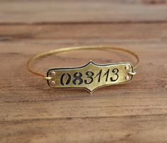 Save The Date Bracelet - This would be a great gift for a new bride/groom or a new mom/dad - love it
