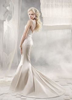 Alvina Valenta at Gabrielle's Bridal Atelier  408-370.4999.