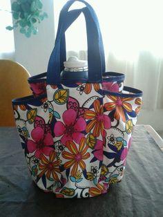 Bolsa matera hecha en lona Sewing Art, Holidays And Events, Diaper Bag, Diy Crafts, Quilts, Creative, Pattern, Inspiration, Ideas