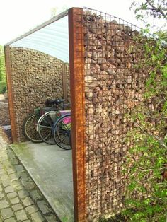 Amazing Shed Plans - lots of things to do with all of those stones! Now You Can Build ANY Shed In A Weekend Even If You've Zero Woodworking Experience! Start building amazing sheds the easier way with a collection of shed plans! Garden Fence Panels, Diy Fence, Garden Privacy, Backyard Privacy, Fancy Fence, Privacy Screens, Cheap Garden Fencing, Cheap Privacy Fence, Garden Fences