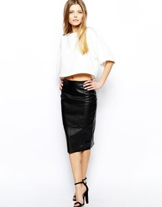 Sultry Look // Asos Pencil Skirt in Leather.