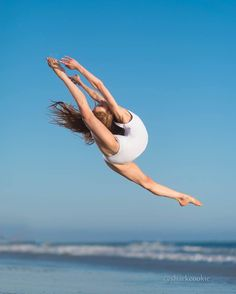 Find your perfect workout plan. Evidence-based fitness information that is personalized to your needs. Dance Picture Poses, Dance Photo Shoot, Dance Poses, Dance Pictures, Flexibility Dance, Gymnastics Flexibility, Acrobatic Gymnastics, Sport Gymnastics, Olympic Gymnastics