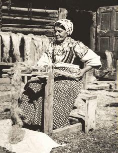 Old Photos, Vintage Photos, Folk Costume, Costumes, Ethnic Outfits, Ethnic Clothes, Heart Of Europe, Plant Fibres, Old Postcards