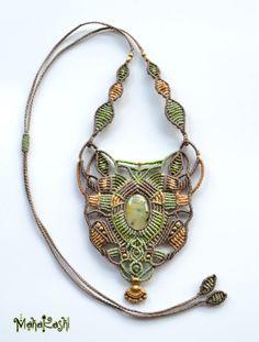 Macramè necklace Sacred Nature with Phrenite by MahakashiCreations