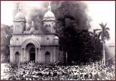 Iglesia de la Merced en El Salvador considerada Cuna del Movimento Independecista en Centro America - Foto durante o incendio.