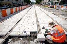 Le calcaire : l'autre habillage des voies du tram | Tramway de Tours | Scoop.it