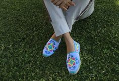 Talavera espadrilles mexican style, Majolica espadrilles shoes - Alpargatas Majolica Talavera mexicana via Mexico fashions. Click on the image to see more!