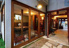 【岡山・岡山】とりいくぐる Guesthouse & Lounge Hotels, Classic, Interior, Room, House, Furniture, Design, Home Decor, Derby