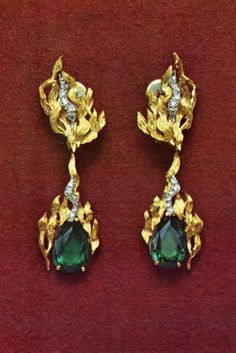 Andrew Grima - 18ct gold earrings with detachable drops.