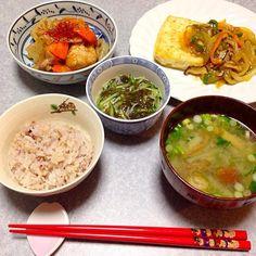 お豆腐ステーキ 野菜ソース添え、 鶏と根菜の甘辛煮、 もずく、 大根・お揚げ・ナメコ・ネギの味噌汁 です。 - 30件のもぐもぐ - お豆腐ステーキ 野菜ソース添え 他 by orieueki