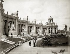 West Wing of the Colonnade of States at the 1904 World's Fair.