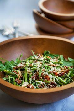 La recette: Salade de roquette et asperges.© DR