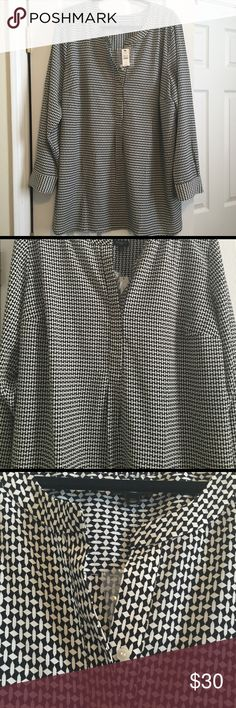 NWT Talbots Tunic Top NWT Talbots tunic with half placket. Size 2X. Black & white geometric design. Long sleeves. Light weight material. Dress up or down. Tuck into a skirt, or leave hanging with jeans or leggings! Never worn. No defects. Talbots Tops