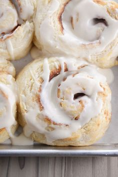 Biscuit Cinnamon Rolls {No Rising} | Mel's Kitchen Cafe Biscuit Cinnamon Rolls, Cinnamon Roll Bread, What's For Breakfast, Breakfast Smoothies, Breakfast Pastries, Breakfast Bites, Breakfast Recipes, Flaky Biscuits, Buttermilk Biscuits