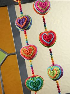 Corazones colgantes - Deco Crochet Cute Crochet, Knit Crochet, Crochet Designs, Crochet Patterns, Guerilla Knitting, Crochet Garland, Holiday Crochet, Yarn Bombing, Polymer Clay Creations