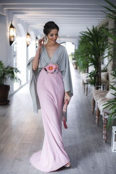 Want To Look Better? Elegant Dresses For Women, Beautiful Dresses, Nice Dresses, Dresses With Sleeves, Formal Dresses, Paris Chic, Lace Dress Styles, Look Formal, Sophisticated Dress