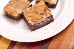 Cheesecake Brownies: easy 4 ingredient #recipe using boxed brownie mix. #dessert #chocolate
