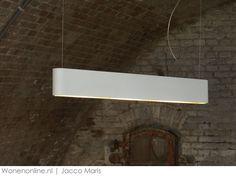 Jacco Maris: twintig jaar iconische designverlichting. Voor meer verlichting inspiratie kijk ook eens op http://www.wonenonline.nl/interieur-inrichten/verlichting/