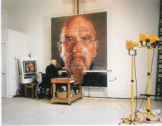 Chuck Close, art, painting, portraits, self-portrait - oil on canvas) Chuck Close Paintings, Artist Grants, Painters Studio, Painting People, Sculpture, Famous Artists, Art Studios, Artist At Work, Art Lessons