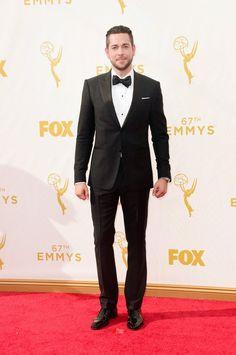Pin for Later: Seht alle TV-Stars bei den Emmy Awards Zachary Levi