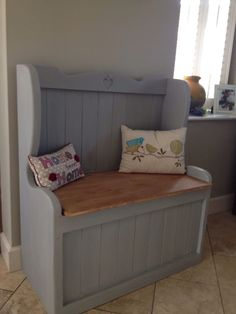 Cute monks bench in this country entrance hall. If you like this pin why not head on over to get similar inspiration and join our FREE home design resource library at Country Furniture, Vintage Furniture, Home Furniture, Upcycled Furniture, Painted Furniture, Vintage Interior Design, Home Interior Design, French Interior, Shabby Chic Cottage