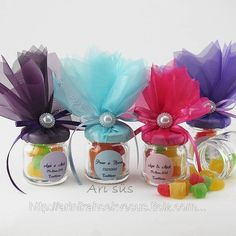 Cute Idea for Leftover Small Jelly Jars Party Gifts, Diy Gifts, Party Favors, Jar Crafts, Diy And Crafts, Wedding Favours, Wedding Gifts, Troll Party, Baby Food Jars