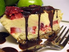 THE FOREVER YOUNG REVOLUTION™: THE BEST DARN RAW-VEGAN CHEESE CAKE EVER!