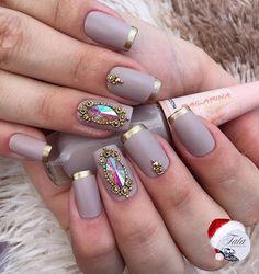 Best Nail Ideas - Discover Your Nails Diva Nails, Glam Nails, Bling Nails, Nail Manicure, Cute Nails, Pretty Nails, Nails Decoradas, Caviar Nails, Bridal Nail Art