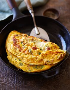 Ham and Cheese Omelet Recipe (Got leftover ham? Then you've got the fixings for this ham and cheese omelet, whether for breakfast tomorrow or midnight snack tonight. Cheese Omelet Recipe, Ham And Cheese Omelette, Easy Omelette Recipe, Egg Recipes, Brunch Recipes, Breakfast Recipes, Cooking Recipes, Breakfast Ideas, Omelete Recipes