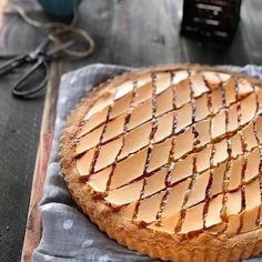 Crostata biscotto amarena 😍😍😍 un biscotto? 🍪🍪🍪 Una crostata? 🍩🍩🍩Una torta? 🍰🍰🍰🍰Morbida, croccante? 😍 Dall'archivio del blog una delizia esagerata! ❤️❤️❤️❤️❤️❤️❤️❤️ LINK DIRETTO ALLA RICETTA in stories 💕 Link al blog nel profilo pagina 👉🏻@la_mamma_cuoco . . . . #foodblogger #lamammacuocò #piattiitaliani #official_italian_food#bestfoodworld#hautecuisine#top_food_of_instagram#show_me_your_food#sharethehappiness#igworldclub_food#bloggalline #seiincucina#italyfood_bestphoto#r…