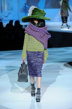 More chunky knitted accessories from Marc Jacobs. Purple is meant to be THE colour for autumn.