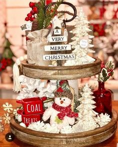 15 Adorable Rustic Christmas Kitchen Decoration Ideas 10 : Here shows examples of some amazing rustic Christmas kitchen designs with natural nuances Gingerbread Christmas Decor, Christmas Coal, Christmas Table Decorations, Rustic Christmas, Christmas Time, Farmhouse Christmas Decor, Very Merry Christmas, Christmas Kitchen Decorations, Christmas Ideas